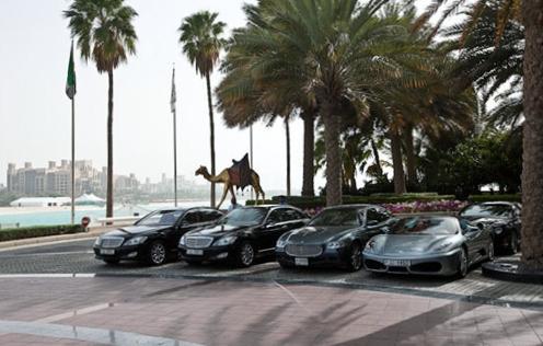 Почему все чаще наши граждане покупают машины в ОАЭ?