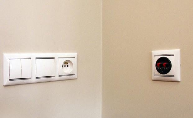 Картинки по запросу установка выключателей в квартире москва