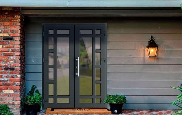Преимущества входных металлопластиковых дверей